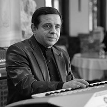 エンツォ・ディ・アマーリオ(ピアノ)